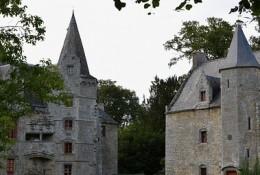 castle-2745054_640