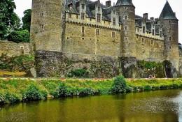 chateau-1075857_640