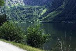 janez_ob_jezeru