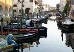 13-17-Chioggia-canal-both-sides-pm